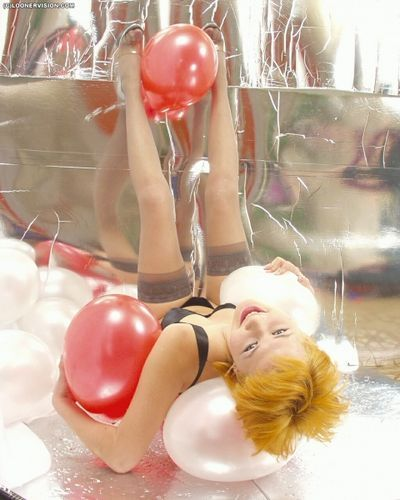 Balloon Fetish Teens videos